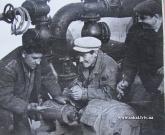 Бригада слюсарів очисних споруд проводить ревізію обладнання. на фото Грушецький П. та Бондарь В 1968р.