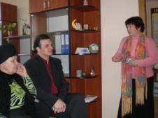"""Збори членів філії КС """"Вигода"""" м. СокальВиступає Наталія Почтовнюк, голова ревізійної комісії"""
