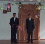 Прибули привітати вчителів і президенти (Я.Дубаньовський у ролі американського, а Р.Дмитрів – українського).