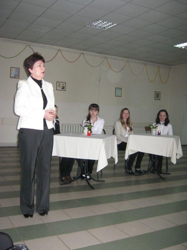 м.Сокаль, Директор школи Л.М. Омеляш дякує за чудове дійство його учасникам і організаторам