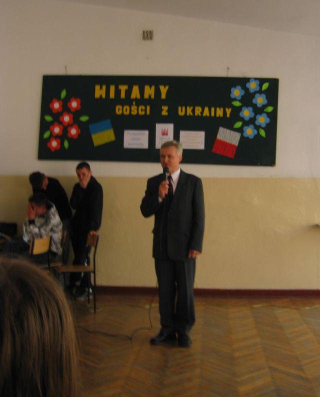 м.Сокаль, в квітні-травні цього року наші учні в рамках проекту українсько-польського обміну молоді перебували 10 днів у Польщі(м. Радечніца)Під час привітання директором гімназії у м. Радечніца