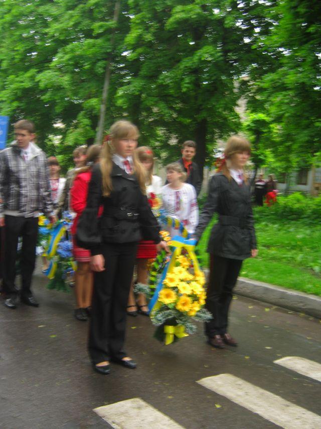 м.Сокаль, Свято ГероївПраво покласти квіти до пам'ятника Т.Шевченкові мали Г.Гумен і О.Борсук